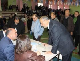 AK Parti Sivasta temayül yoklaması yaptı