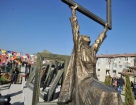 Berfo Ana Parkı ve heykeli açıldı