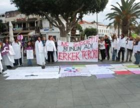 Kadına şiddet kefenle protesto edildi
