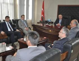 Vali, BDPli belediyeyi ziyaret etti