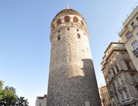 Galata Kulesinde intihar şoku