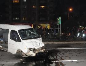 Minibüsün altında kalan çocuk öldü
