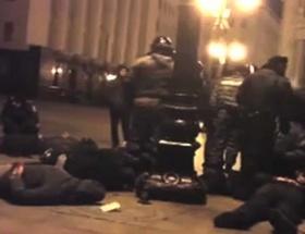 Ukraynada teröristler AGİT otobüsünü ele geçirdi