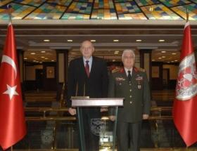 Kosova heyeti, Necdet Özel ile görüştü
