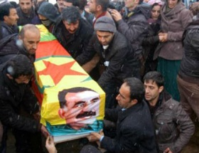 Öcalanlı PKK bayraklı tabut!