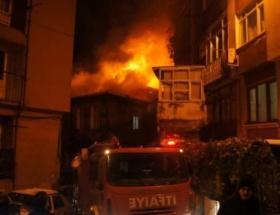 Beyoğlunda korkutan yangın