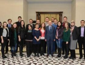 Müezzinoğlu, Balkanlı gazetecileri kabul etti