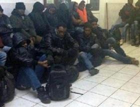 İzmirde 25 mülteci yakalandı
