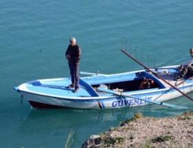Baraj gölünde arama çalışmaları devam etti