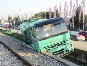 Hızlı tren hattına uçtu