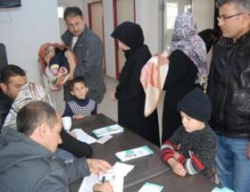 Suriyeli çocuklara aşı uygulaması