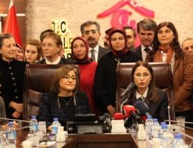 Fatma Şahin, devir teslim töreninde gözyaşlarına hakim olamadı