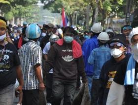 Taylandda 440 bin kişinin oy vermesi engellendi