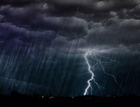 Ege ve Akdenizde fırtına uyarısı