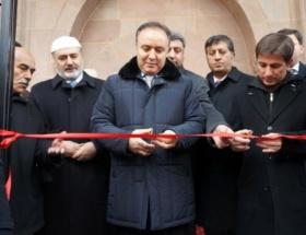 Kasımpaşa Camii ibadete açıldı