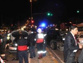 Hakkaride trafik kazası: 13 yaralı