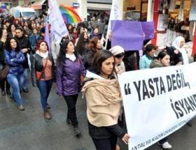Kadın cinayeti duruşması öncesi protesto