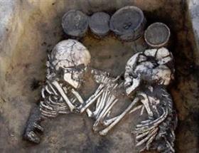 Sibiryada gizemli mezar
