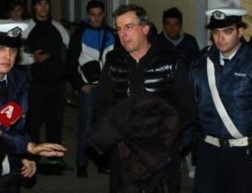 Yunan bakana 4 ay hapis
