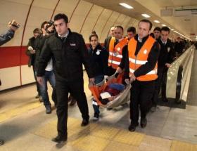 Taksim metrosunda metal dedektör dehşeti