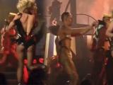 Britney Spears az kalsın çırılçıplak kalıyordu