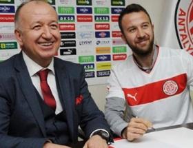 Giray Kaçar, Antalyaspor ile anlaştı