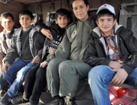 Diyarbakırlı çocuklar helikoptere bindi