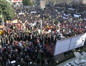 İzmitte 10 bin kişi yürüdü