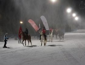 Gece kayak pistleri hizmete girdi