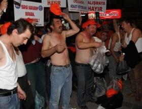 Taşeron işçilerden çıplak eylem