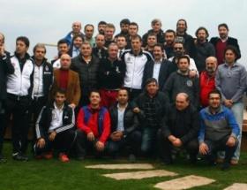 Beşiktaş Kulübü Yönetimi, gazetecilere yemek verdi