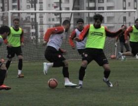 Adanaspor Uche Kalu ile anlaştı