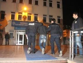İzmirdeki kadın cinayetine 4 gözaltı