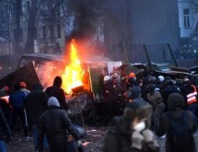 Kievde metro seferlerini durdurdu