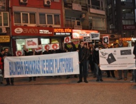 İnternet yasası protesto edildi