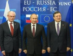 Rusya-AB zirvesi Brükselde başladı