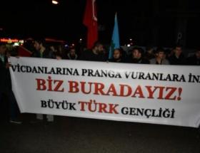 MHPye yapılan saldırıyı protesto eden grup BDPye yürüdü