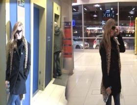 Havaalanında Carmen Electra sürprizi