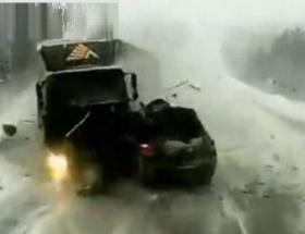 Rusyada 4 kişinin öldüğü feci kaza anı
