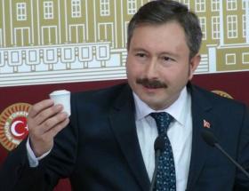 Türkiye, birinci sınıf demokrasiye doğru gitmiyor
