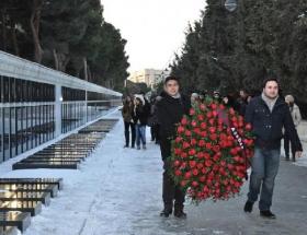 Türk öğrenciler Baküde