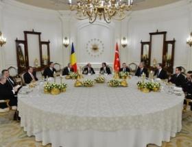 Basescu onuruna Köşkte akşam yemeği