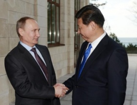 Putin, Rahmanla görüştü