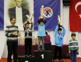 Bursa Büyükşehir Belediyespor Kulübü satrançta lider