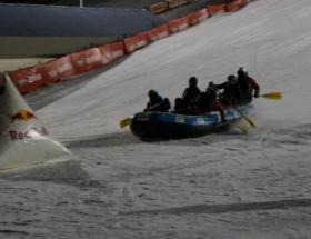Palandökende kayak ve rafting gösterisi