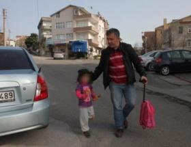 Kaybolan çocuk ailesine teslim edildi