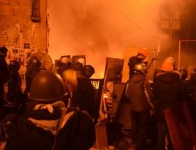 Ukraynadaki gösterilerde ölenleri unutmadılar