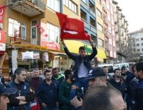 Keşanda HDPye Türk Bayraklı tepki