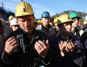 Grizu faciasında ölen 103 madenci dualarla anıldı