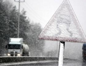 Bolu Dağında ulaşıma kar engeli